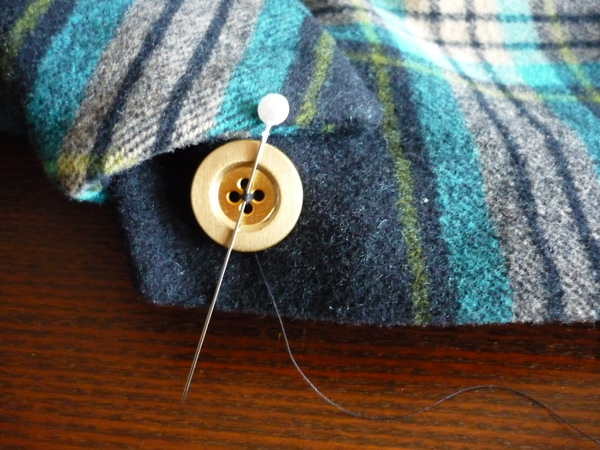 Removing Extra Stitches Knitting : How to Sew On a Button Sewaholic