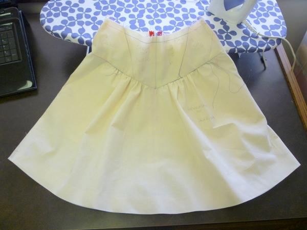 crescent skirt muslin