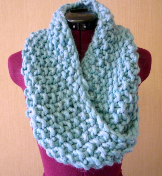 i knit something! a knitted cowl