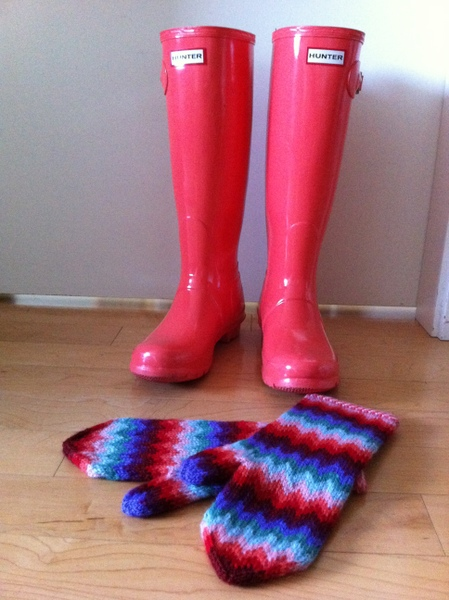 coral hunter rubber boots match my mittens!