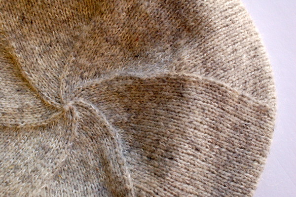 Cashmere Beret Knitting Pattern : Snowbound Beret Sewaholic