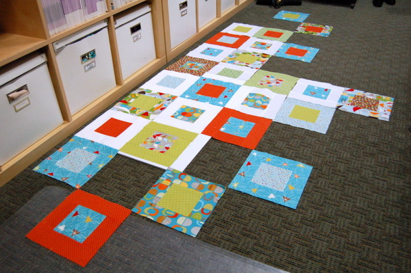 lay out quilt blocks in a pleasing way