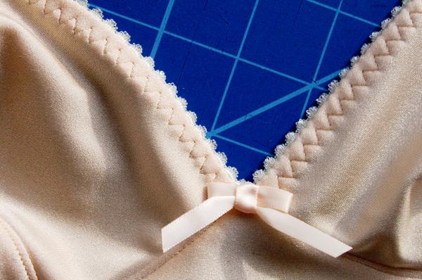 cloth habit watson bra in peach and mint, bra close-up