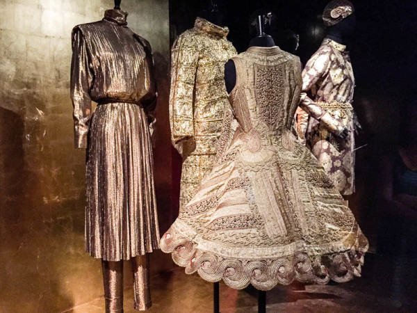 dries van noten exhibit