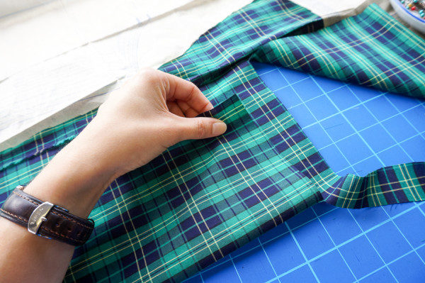 sewing the granville shirt in plaid fabrics-1-11