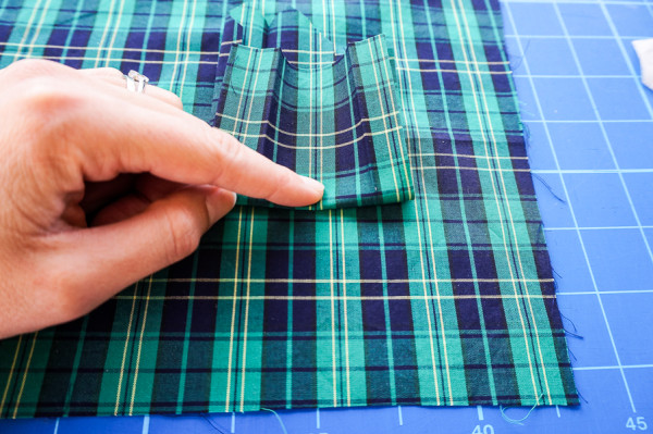sleeve placket plaid matching on the plaid granville shirt-1-3