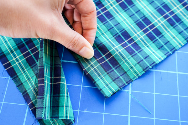 sleeve placket plaid matching on the plaid granville shirt-1-5